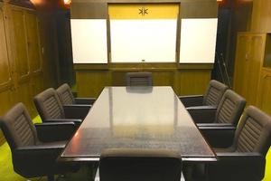 【目白】クラシックな落ち着きのある会議室の写真
