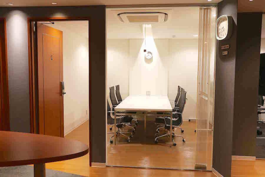 【横浜】馬車道駅前会議室 : 小会議室Cの会場写真