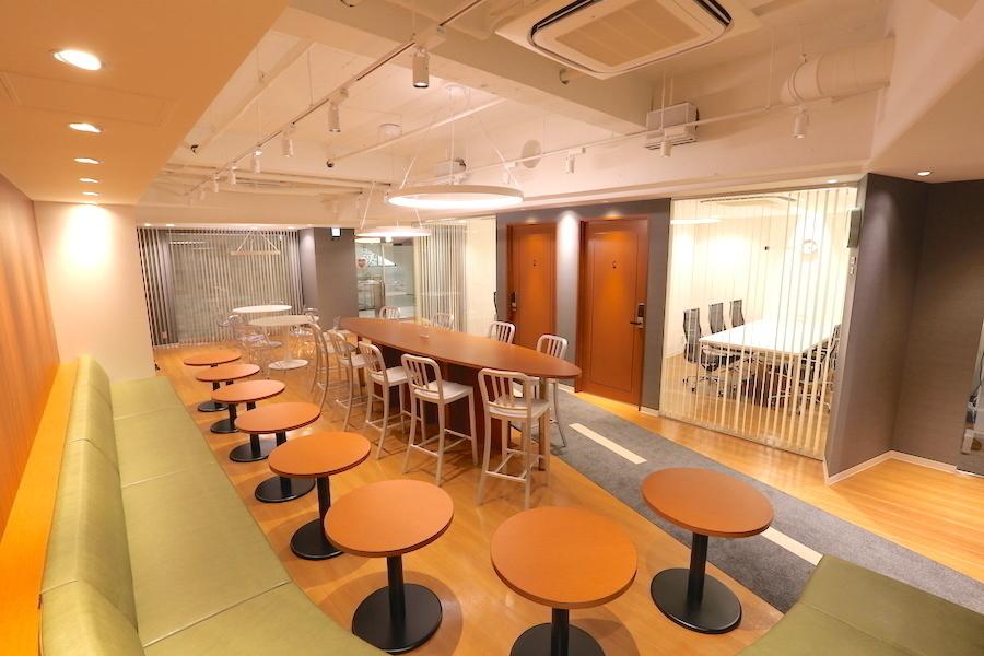 【横浜】馬車道駅前会議室 : ラウンジスペースの会場写真