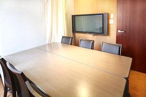 【四ツ谷駅1分!】モニター有り!24時間使える少人数向け会議室の写真
