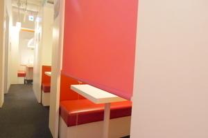 インスタント会議室 銀座店 : 3・4名用カフェタイプのスペース Aの会場写真