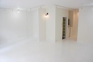 【表参道駅すぐ!】純白のギャラリースペースの写真