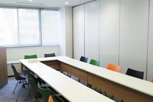 渋谷駅徒歩3分!会議・勉強会・ワークショップに最適な2~12名様用レンタルスペースの写真