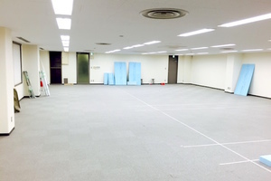 築地シェルタースペース : 100名用多目的スペースの会場写真