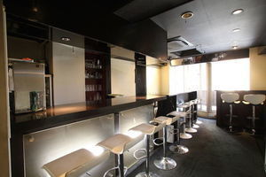 【神楽坂3分】 TV、雑誌で人気のお洒落なカウンターバー、キッチン付きの写真