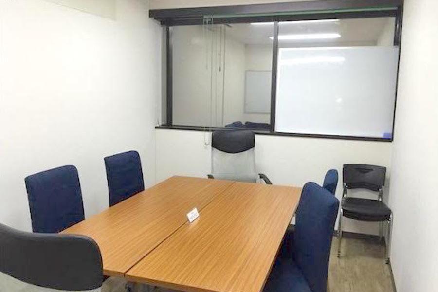 未来ファクトリー 貸し会議室 : 個室会議室の会場写真