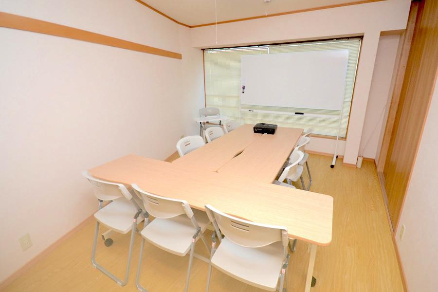 RMS西新宿 レンタル会議室 : 個室会議室の会場写真