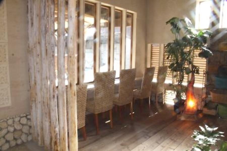 【福岡・みやま】 隠れ家バリ ハイドアウェイ : カフェ&展示スペースの会場写真