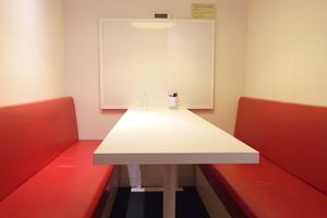 インスタント会議室 銀座店 : 3・4名用カフェタイプのスペース Bの会場写真