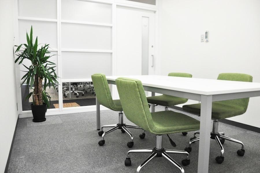 大阪 クロススクエア会議室 : 会議室 (M)の会場写真
