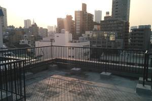 【新宿の景色を望む】8階建てマンション屋上スペース(撮影専用)の写真