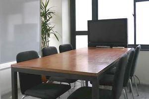 市ヶ谷駅より徒歩5分!会議用途に十分な個室会議室の写真