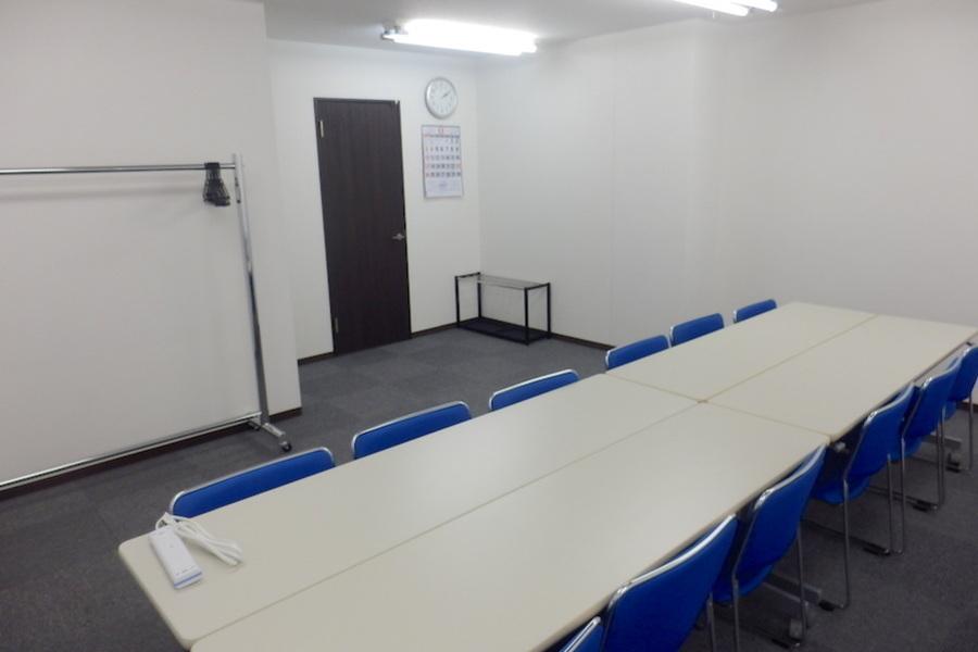 池袋ホール【加瀬会議室】 : 小会議室の会場写真
