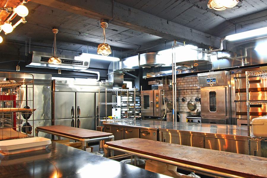 市ヶ谷オフィススペース Lowp : キッチン・ダイニングスペース貸切の会場写真