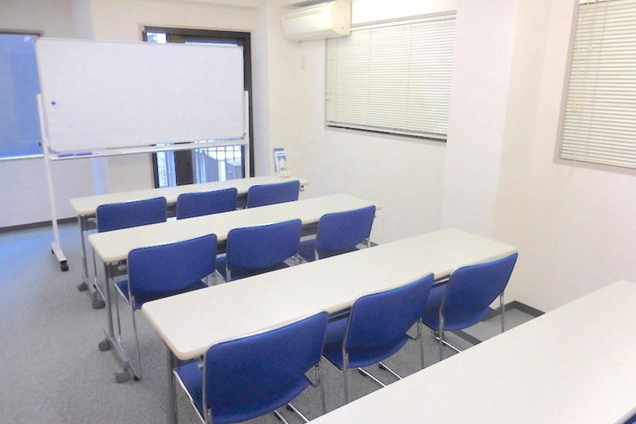 茅場町ホール【加瀬会議室】 : セミナールームの会場写真