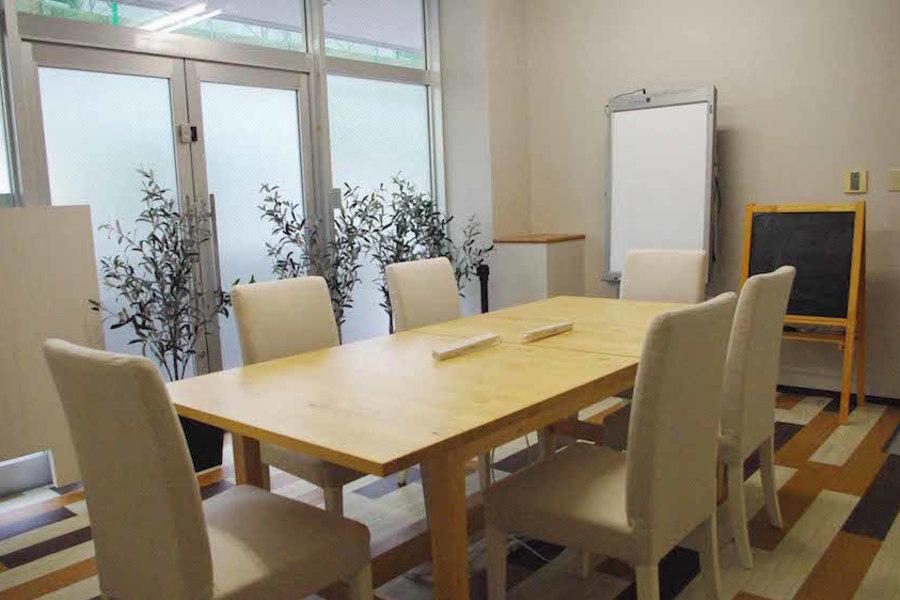 深江ワークスペース「ニルキューブ」 : 小会議室の会場写真