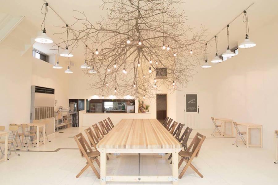 【金沢】多目的スペース「CHiL」 : カフェスペースの会場写真