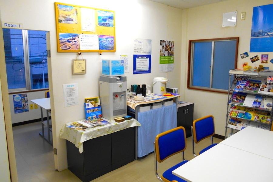 新潟市 本町通レンタルスペース : 会議室2の会場写真