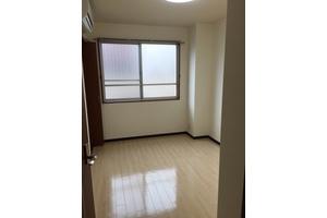 御堂筋線長居駅2番出口よりたったの5歩!キッチン・シャワー付きのレンタルルーム の写真