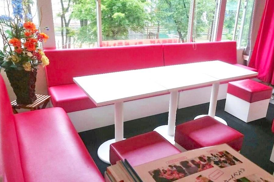 インスタント貸し教室 渋谷校 : 8名迄テーブルの会場写真