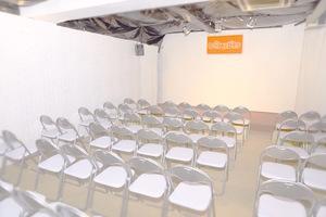 神保町駅徒歩1分!60人収容可能、深夜も利用できるレンタルスタジオの写真