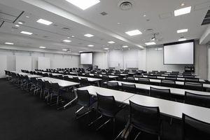 マイステイズ新浦安コンファレンスセンター : 大会議室Aの会場写真