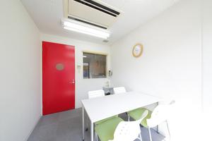 オフィスアテンド新大阪 : 打合室1の会場写真