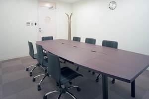 オフィスアテンド大阪 : 会議室の会場写真