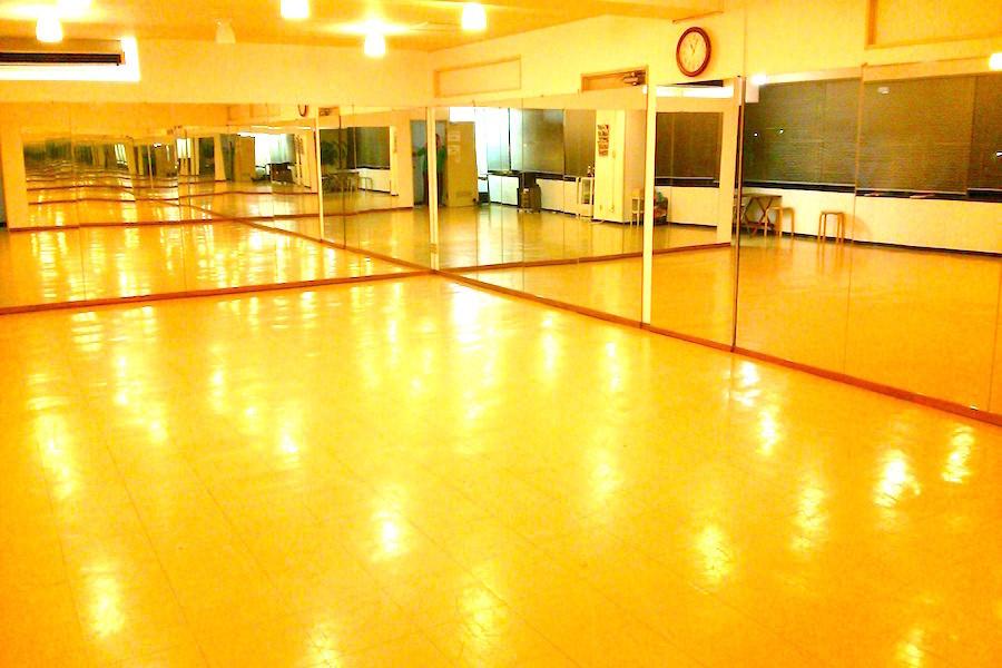 湘南藤沢ダンススタジオ「marisol」 : 25名用スタジオの会場写真