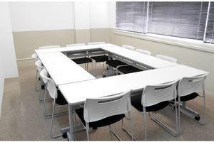 駅チカ!ビジネスシーンに大活躍のリーズナブル貸し会議室の写真