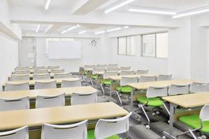 鶴見駅前ホール【加瀬会議室】 : 第三会議室の会場写真