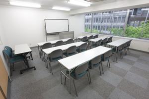 〜18名収容可能 面接会場・会議などに最適な渋谷徒歩3分の貸し会議室の写真