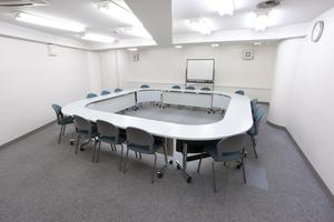〜16名収容可能 渋谷徒歩3分、設備充実の貸し会議室の写真
