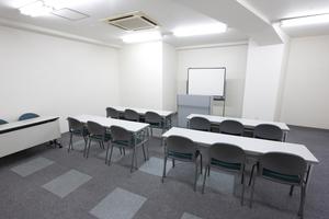 〜12名収容可能 商談や会議に最適。渋谷駅徒歩3分の貸し会議室の写真