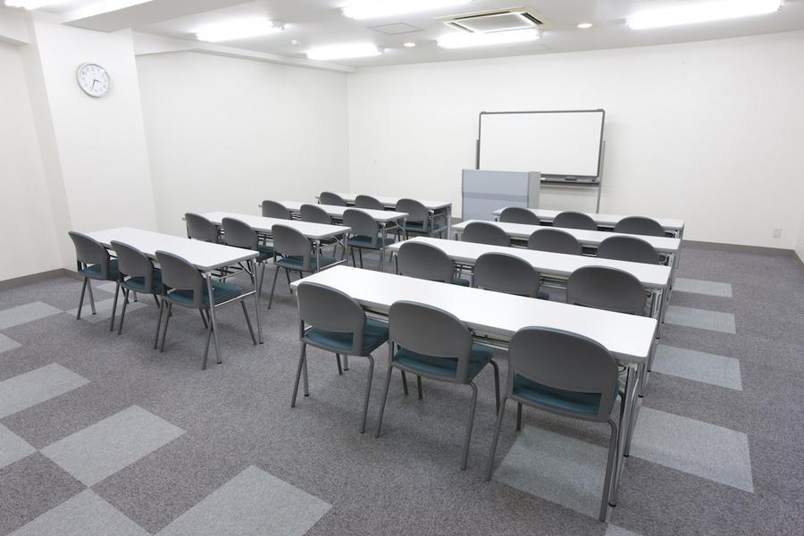 FORUM8 フォーラムエイト : 402会議室の会場写真