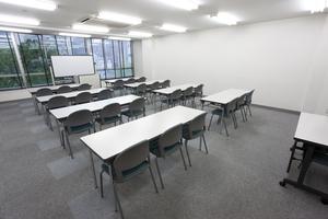〜24名収容可能 渋谷徒歩3分、セミナーや研修等に便利な貸し会議室の写真