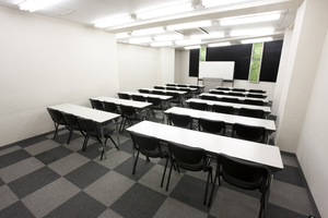 〜36名収容可能 試験会場や会議に最適 渋谷駅徒歩3分の貸し会議室の写真