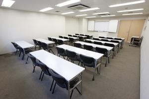 〜36名収容可能 講演会などにも 渋谷駅徒歩3分の貸し会議室の写真