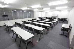 〜78名収容可能 筆記試験や研修会場などにも 渋谷駅徒歩3分の貸し会議室の写真