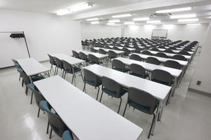 〜108名収容可能 ビジネスシーンに最適な貸し会議室の写真