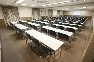 〜126名収容可能 パーティーや株主総会などに 渋谷駅徒歩3分の貸し会議室の写真