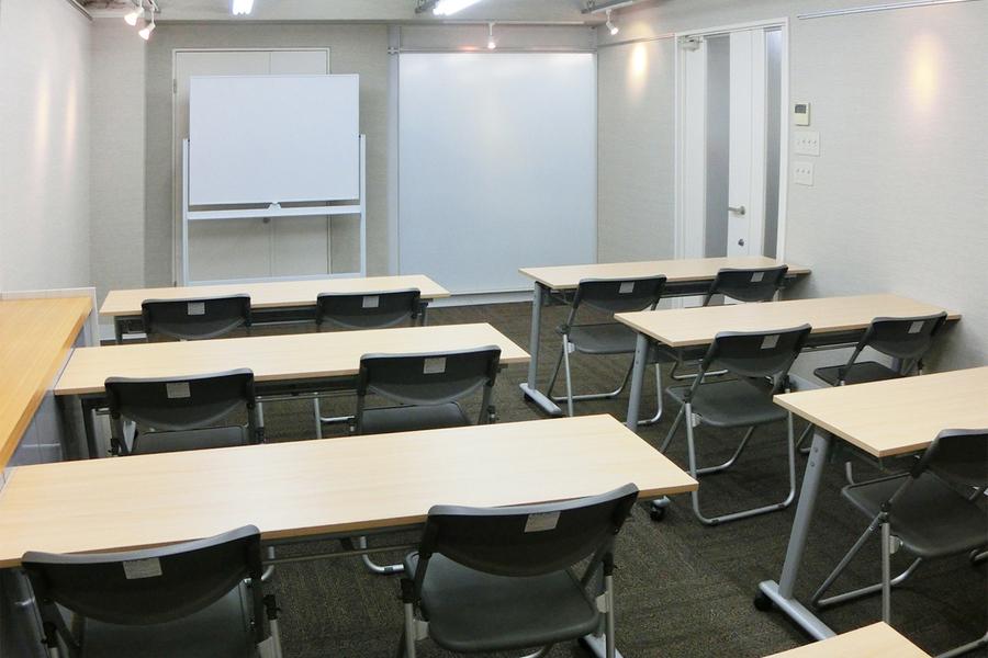 南森町レンタル会議室『シェア・ファーム』 : 土日・祝日プランの会場写真