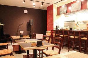 Js(じぇいず)カフェ: 店舗フロアの会場写真