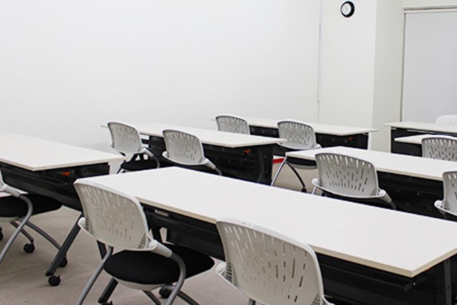 東洋ビル 貸し会議室 : B1-12会議室の会場写真