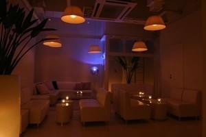 スタイリッシュな内装のイベントスペースEVERの写真