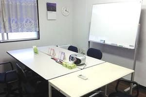 豊洲 貸し会議室「ケーズ」: 6名用個室会議室の会場写真