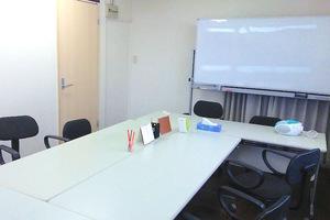 豊洲 貸し会議室「ケーズ」: 8名用個室会議室の会場写真