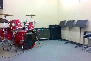 【新横浜】音楽スタジオ 山響楽器店 : 8名用 防音個室スタジオの会場写真