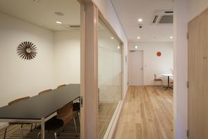明治神宮前<原宿>駅1分におしゃれで快適なミーティングスペースの写真