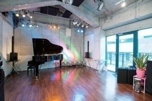 三宮駅徒歩5分!ライブもできるマルチスタジオ☆の写真